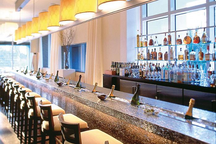 miami-restaurant-azul-champagne-bar