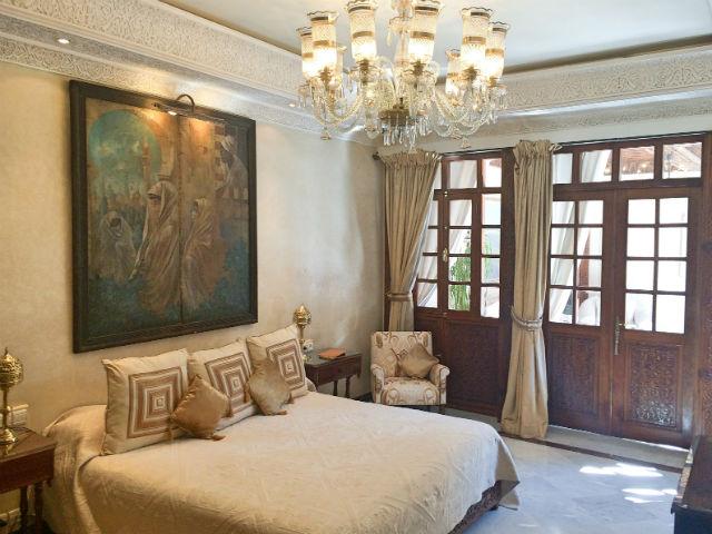 SUITE - Lion master bedroom 1