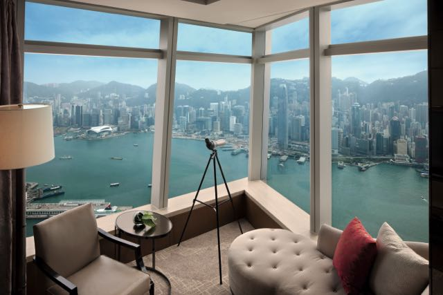 Deluxe Victoria Harbour Suite, with view of harbour