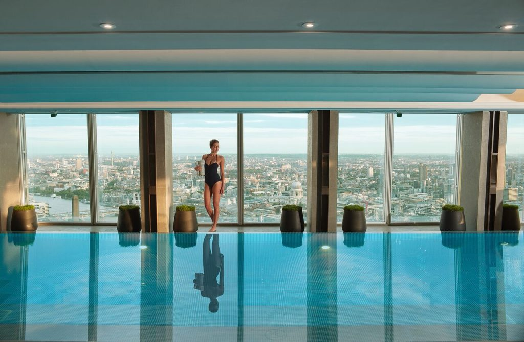 Luxury london hotels with pools 2019 the luxury editor - Hotel in london with swimming pool ...