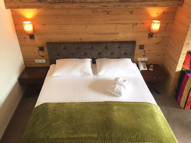 Hotel Gotthard bed