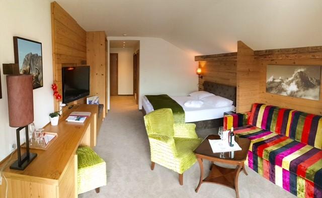 Hotel Gotthard guest room 2