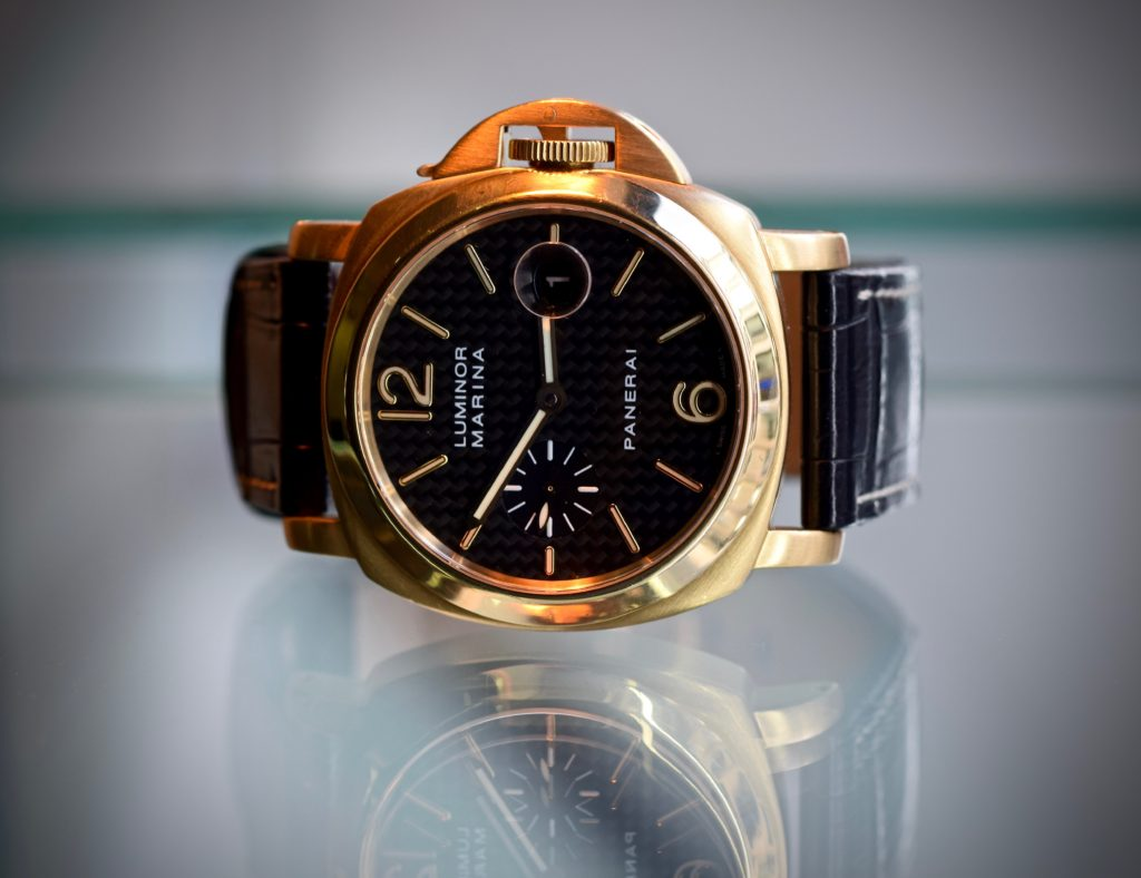 panerai-luminor-marina-relflections