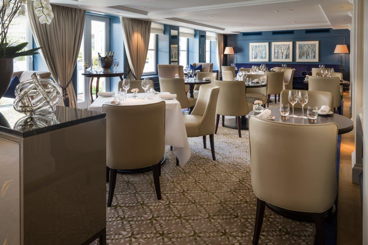 Meet me at the clock, Waldorf Astoria…and let?s eat at Goldfinch Brasserie, Amsterdam