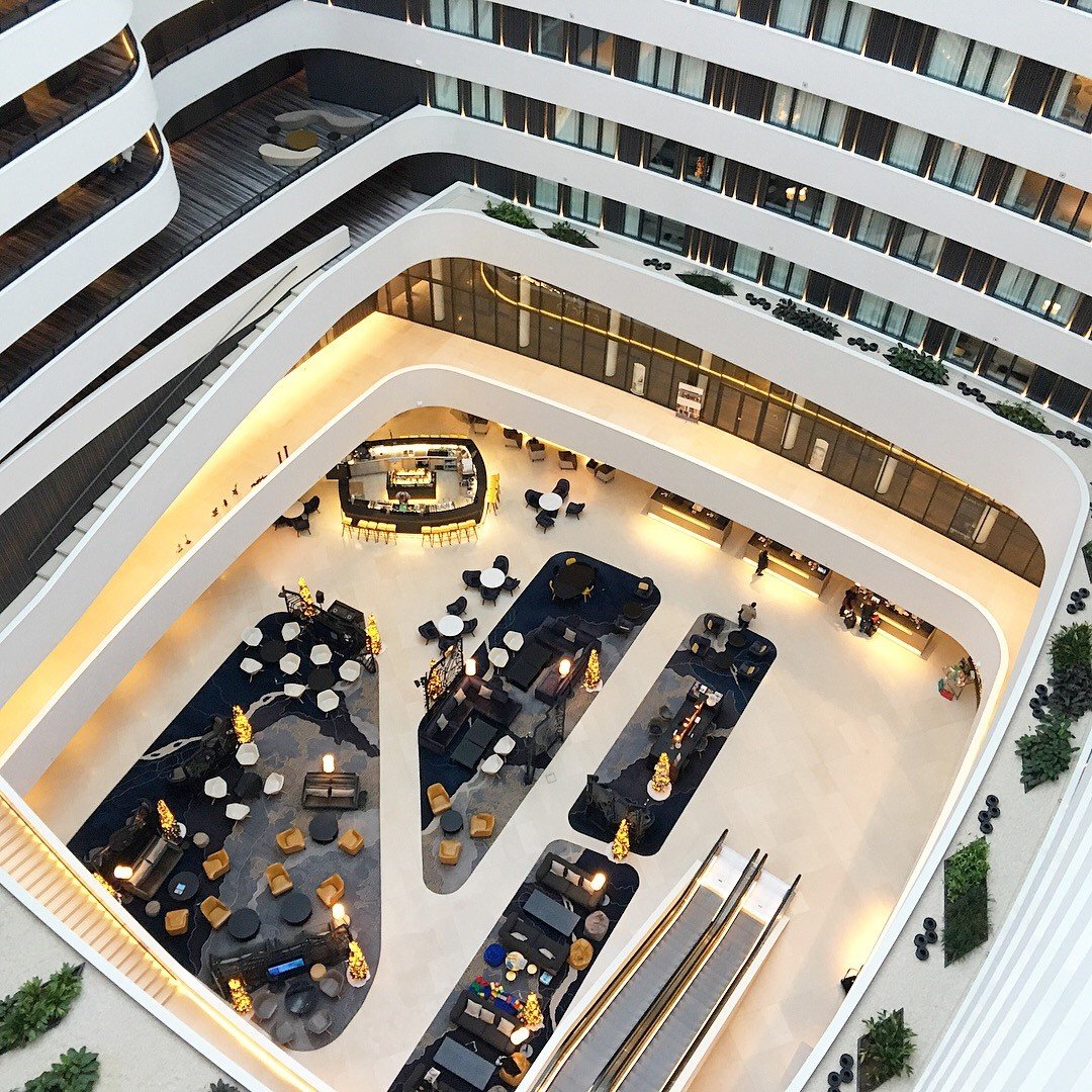'Fly me to the Moon' – the Hilton Amsterdam Airport ...