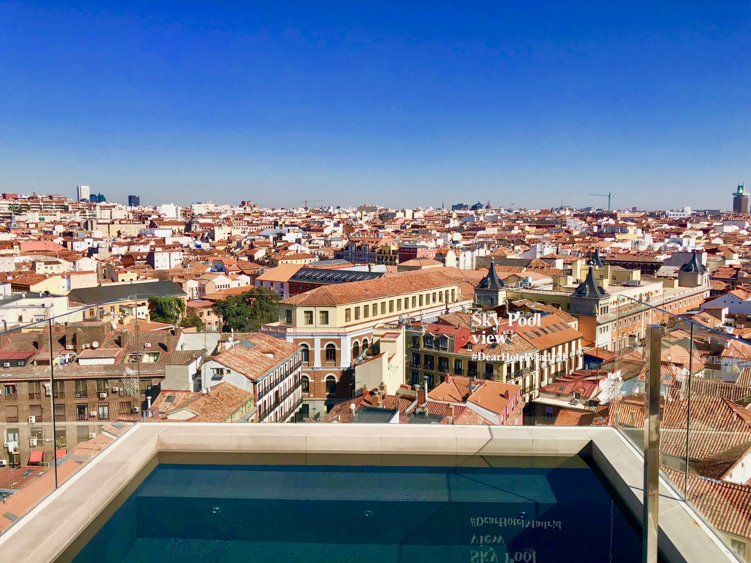 Dear hotel the best rooftop pool in madrid the luxury - Hotels in madrid spain with swimming pool ...